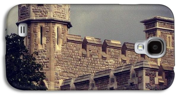 Stormy Skies Over The Tower Of London Galaxy S4 Case by Heidi Hermes
