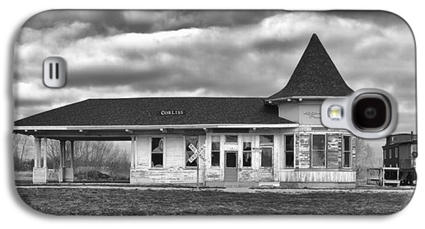 Galaxy S4 Case featuring the photograph Sturtevant Old Hiawatha Depot by Ricky L Jones