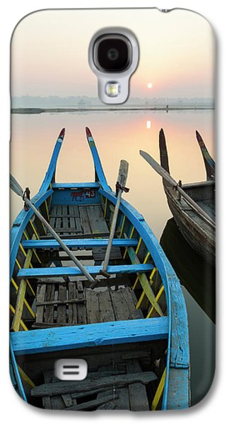 Sunrise, Amarapura, Mandalay, Burma Galaxy S4 Case by Peter Adams
