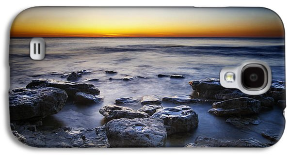 Lake Michigan Galaxy S4 Case - Sunrise At Cave Point by Scott Norris