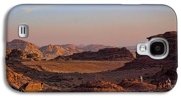 Sunset In The Wadi Rum Desert Jordan Galaxy S4 Case by David Smith