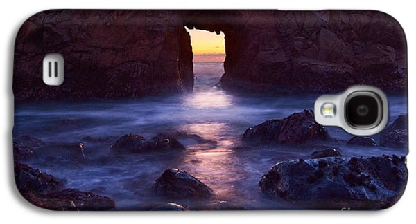 Sunset On Arch Rock In Pfeiffer Beach Big Sur In California. Galaxy S4 Case by Jamie Pham