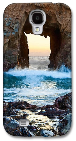 Sunset On Arch Rock In Pfeiffer Beach Big Sur. Galaxy S4 Case by Jamie Pham