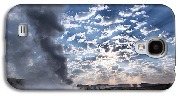 Sunset Over Old Faithful - Horizontal Galaxy S4 Case by Andres Leon
