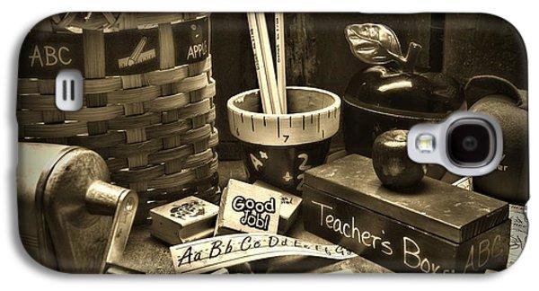 Teacher - Retro Teacher's Desk Galaxy S4 Case by Paul Ward