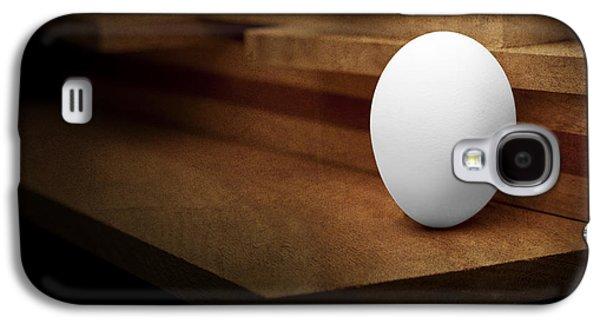 Chicken Galaxy S4 Case - The Egg by Tom Mc Nemar