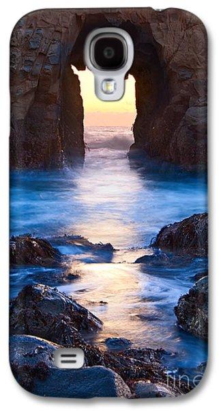 The Gateway - Sunset On Arch Rock In Pfeiffer Beach Big Sur In California. Galaxy S4 Case by Jamie Pham