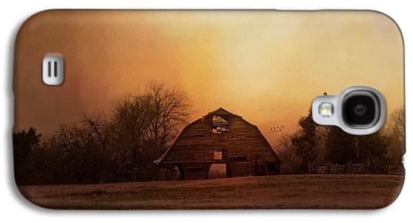 The Old Barn On A Fall Evening Galaxy S4 Case by Jai Johnson