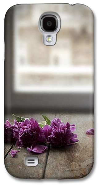 Three Pink Peonies On The Wooden Table Galaxy S4 Case