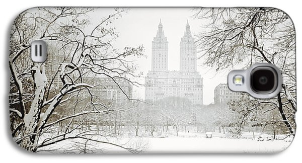 Through Winter Trees - Central Park - New York City Galaxy S4 Case by Vivienne Gucwa