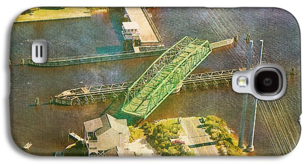 Ti Swingin' Swing Bridge Galaxy S4 Case by Betsy Knapp