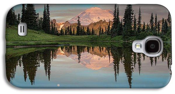 Amazing Sunset Galaxy S4 Case - Tipsoo Lake Mt. Rainier Washington by Larry Marshall