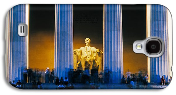 Tourists At Lincoln Memorial Galaxy S4 Case by Panoramic Images