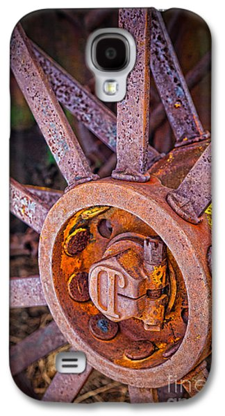 Tractor Spokes Galaxy S4 Case by Inge Johnsson