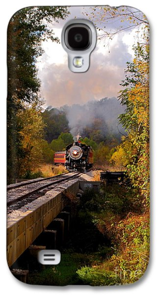 Train Through The Valley Galaxy S4 Case by Robert Frederick