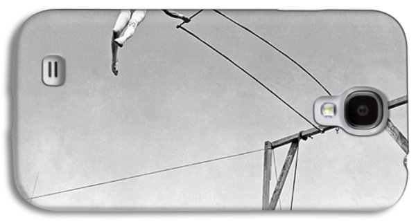 Trapeze Artist On The Swing Galaxy S4 Case by Underwood Archives