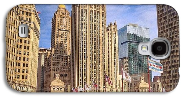 City Galaxy S4 Case - Tribune Tower And Dusable Bridge In by Paul Velgos