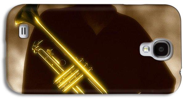 Man Holding Trumpet 1 Galaxy S4 Case