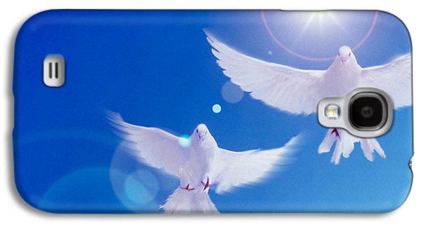 Two Doves Side By Side With Wings Galaxy S4 Case