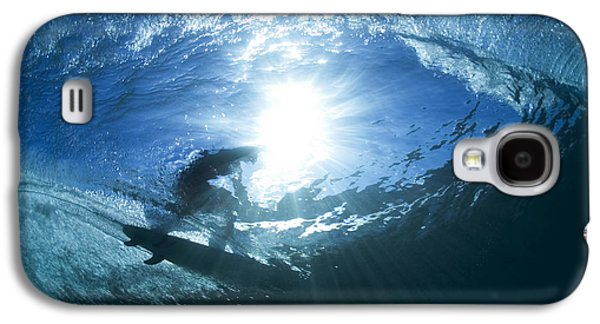 Surfing Into The Eye Galaxy S4 Case by Sean Davey