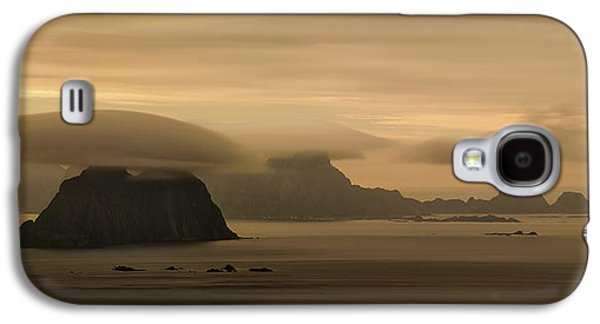 Vaeroy Islands At Cloudy Sunset Galaxy S4 Case