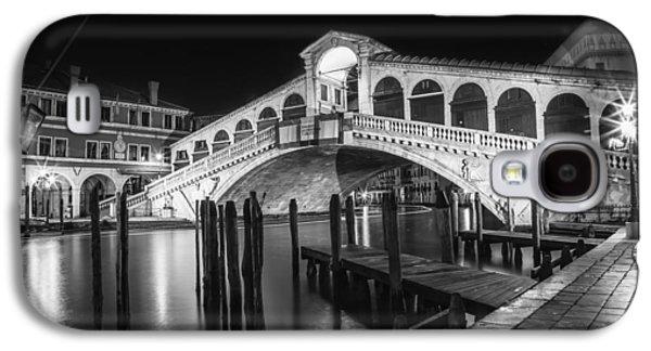 Venice Rialto Bridge At Night Black And White Galaxy S4 Case by Melanie Viola