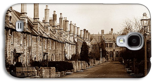 Vicars Close Alms Houses Wells England Galaxy S4 Case by The Keasbury-Gordon Photograph Archive