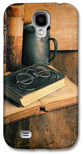 Vintage Books And Eyeglasses Galaxy S4 Case