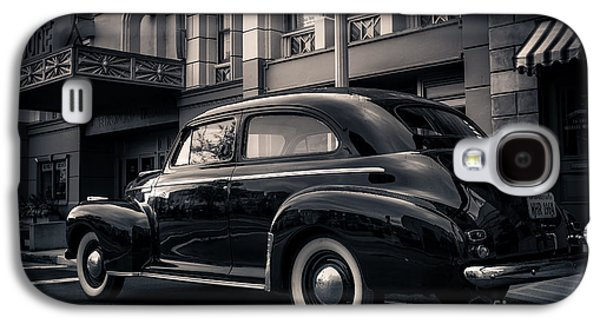 Vintage Chevrolet In 1934 New York City Galaxy S4 Case by Edward Fielding