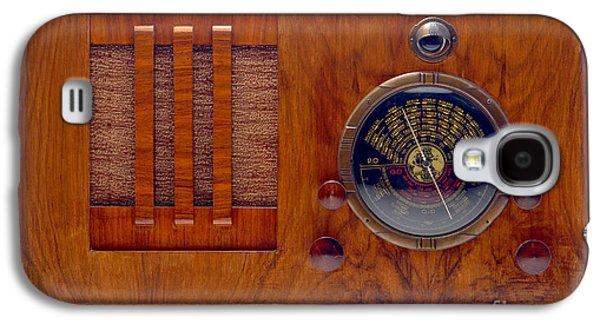 Vintage Radio Galaxy S4 Case by Olivier Le Queinec