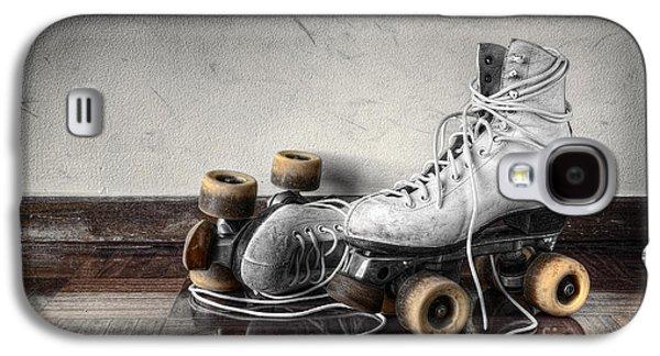 Vintage Skates Galaxy S4 Case by Carlos Caetano