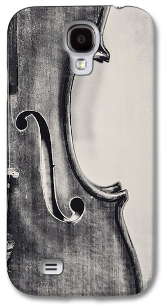 Violin Galaxy S4 Case - Vintage Violin Portrait In Black And White by Emily Kay