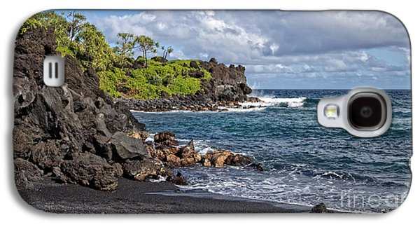 Waianapanapa State Park's Black Sand Beach Maui Hawaii Galaxy S4 Case by Edward Fielding