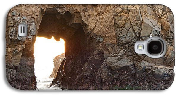 Waiting For Godot - Arch Rock In Pfeiffer Beach In Big Sur. Galaxy S4 Case by Jamie Pham
