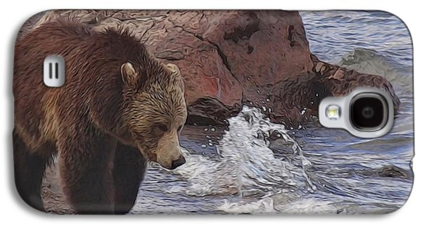 Walking Grizzly Bear On Lakeshore Galaxy S4 Case