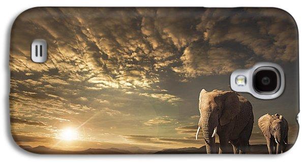 Walking In Savannah Galaxy S4 Case