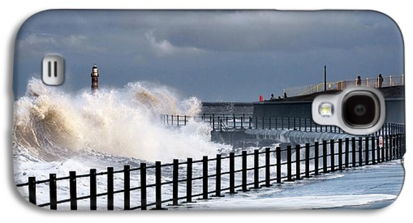 Waves Crashing, Sunderland, Tyne Galaxy S4 Case
