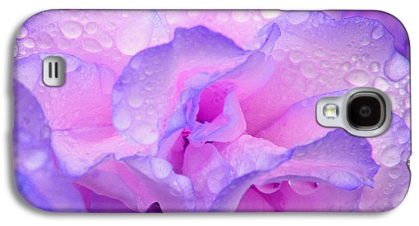 Galaxy S4 Case featuring the photograph Wet Rose In Pink And Violet by Nareeta Martin