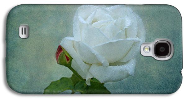White Rose On Blue Galaxy S4 Case