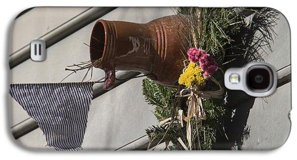 Williamsburg Bird Bottle 1 Galaxy S4 Case by Teresa Mucha