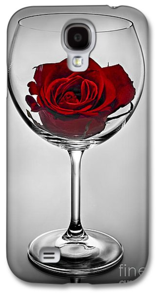 Wine Glass With Rose Galaxy S4 Case by Elena Elisseeva