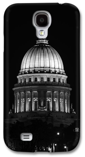 Wisconsin State Capitol Building At Night Black And White Galaxy S4 Case by Sebastian Musial