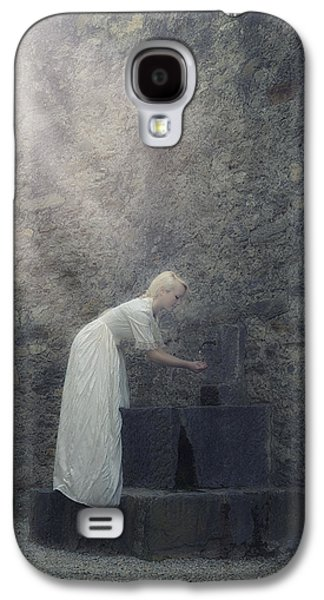 Wishing Well Galaxy S4 Case by Joana Kruse