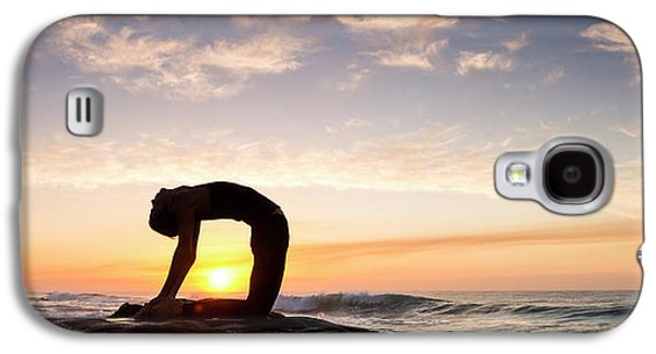 Woman Doing Yoga Camel Pose Galaxy S4 Case by Panoramic Images