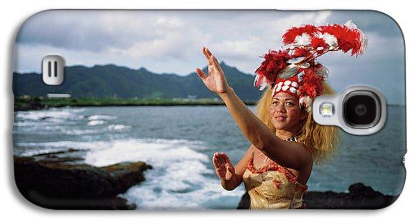 Woman Wearing A Traditional Samoan Galaxy S4 Case by David Kirkland