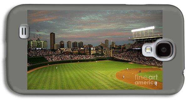 Wrigley Field Galaxy S4 Case - Wrigley Field At Dusk by John Gaffen