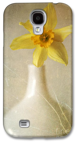 Yellow Daffodil In The White Flower Pot Galaxy S4 Case