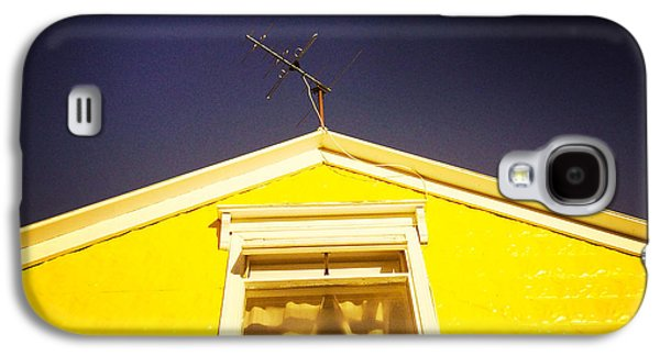 Yellow House In Akureyri Iceland Galaxy S4 Case