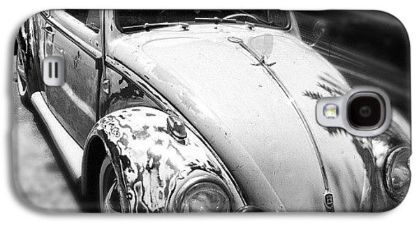 Classic Galaxy S4 Case - 1961 Volkswagon Beetle by Gwyn Newcombe