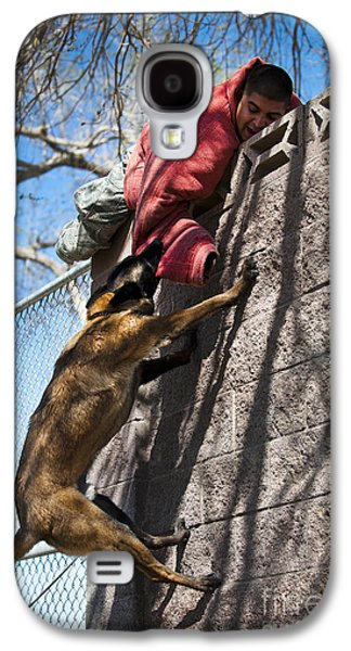 A Military Working Dog Climbs A Wall Galaxy S4 Case by Stocktrek Images